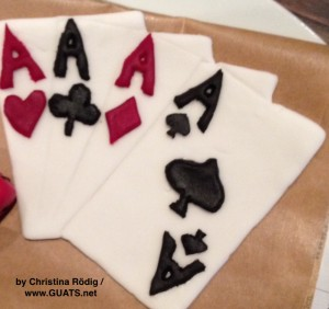 Spielkarten, Marzipan, Schokolade